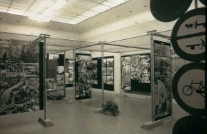 Installation view De Straat. Vorm van samenleven (The Street, form of coexistence) , 1972